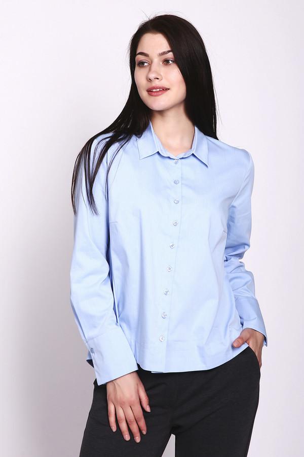 Блузa Betty BarclayБлузы<br>Блуза голубого цвета фирмы Betty Barclay. Модель выполнена прямым фасоном. Блуза дополнена откладным воротом на стойке, застежка на пуговицы, втачными, длинными рукавами, широкой манжетой на пуговицы, подшита полукругом. Универсальная модель для современного решения деловых будней.