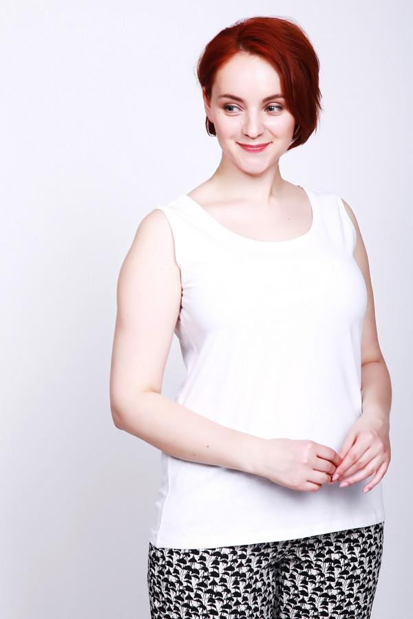 Топ LebekТопы<br>Топ женский белого цвета фирмы Lebek. Модель выполнена прямым фасоном. Изделие дополнено округлым воротом, без рукавов с широкими лямками. Ткань состоит из 5% эластана, 95% хлопка Комбинировать можно с различными деталями вашего гардероба.