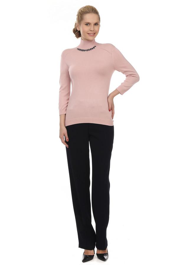 Брюки BaslerБрюки<br>Классические женские прямые брюки от бренда Basler представлены в черном цвете. Изделие дополнено: поясом со шлевками для ремня, выточками, двумя боковыми караманами, стрелками и центральной застежкой-молния с пуговицей. Идеально дополнять офисно-деловой образ.<br><br>Размер RU: 44<br>Пол: Женский<br>Возраст: Взрослый<br>Материал: полиэстер 100%<br>Цвет: Чёрный