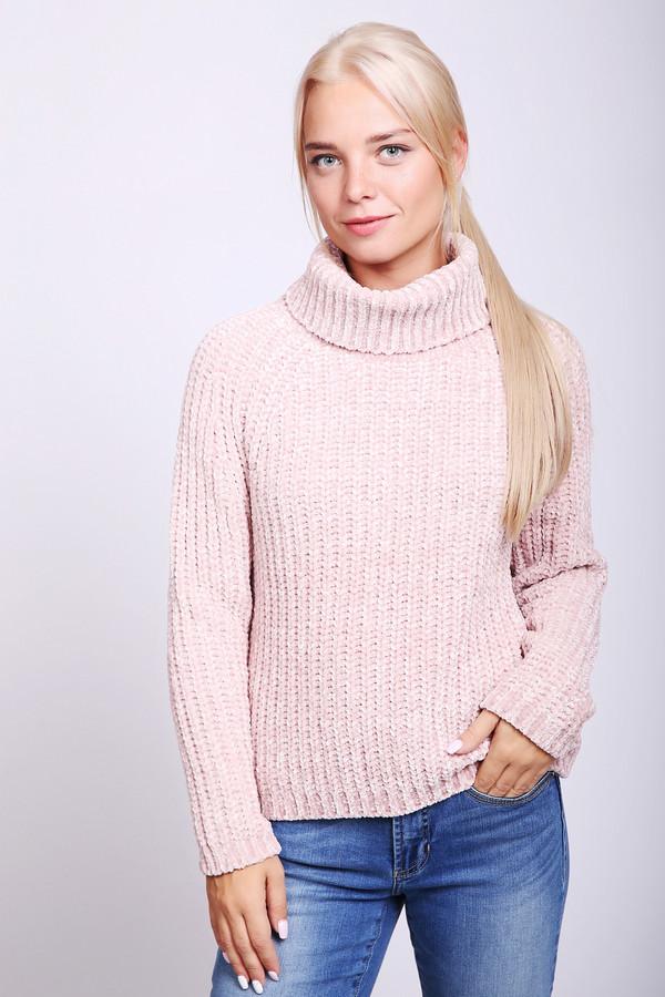 Пуловер PezzoПуловеры<br>Пуловер женский розового цвета фирмы Pezzo. Модель выполнена прямым фасоном. Изделие дополнено округлым воротом стойка, длинными рукавами реглан. Окружность ворота, низ пуловера и рукава заканчивает вязаная резинка. Гармонировать может с различными брюками.