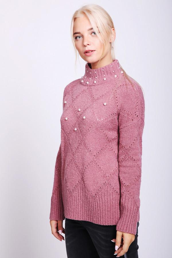 Пуловер PezzoПуловеры<br>Пуловер женский розового цвета фирмы Pezzo. Модель выполнена прямым фасоном. Изделие дополнено воротом стойка, длинными, приспущенными рукавами. Пуловер украшен бусинами белого цвета. Гармонировать может с различными брюками.