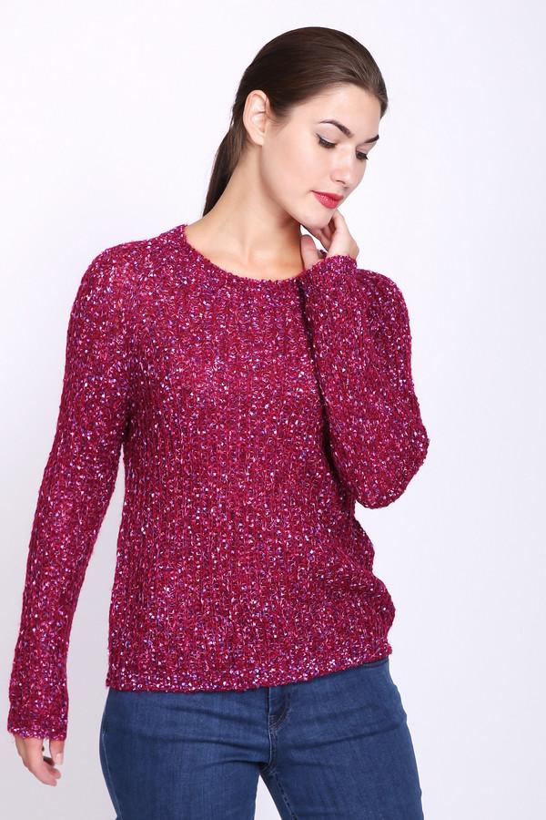 Пуловер PezzoПуловеры<br>Пуловер женский бордового цвета фирмы Pezzo. Модель выполнена прямым фасоном. Изделие дополнено округлым воротом, длинными рукавами реглан. Окружность ворота, низ пуловера и рукава заканчивает вязаная резинка. Гармонировать может с различными брюками.