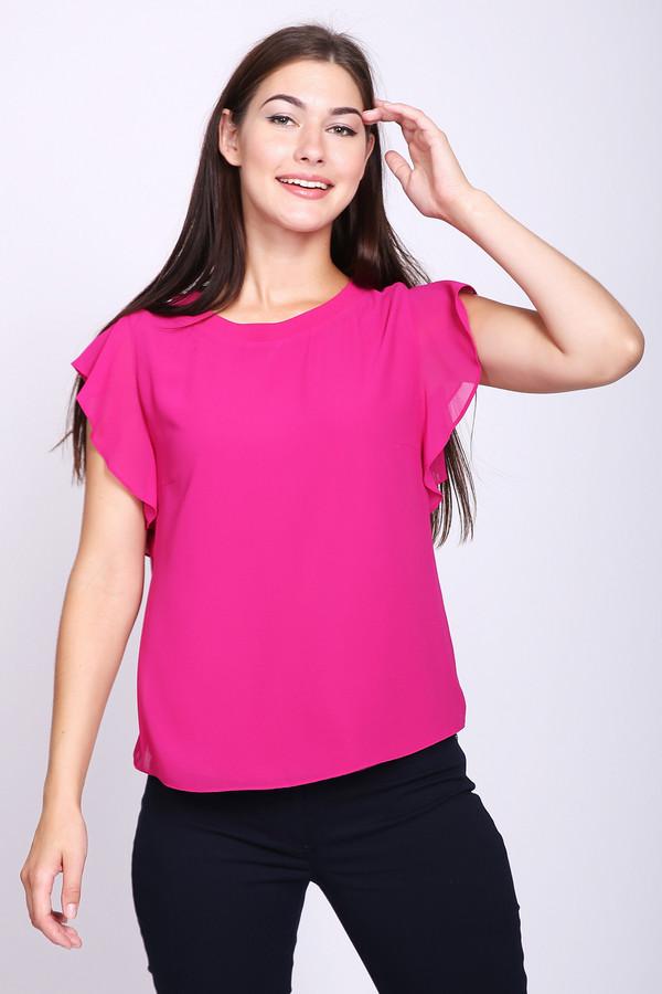 Блузa Betty BarclayБлузы<br>Блуза женская розового цвета фирмы Betty Barclay. Модель выполнена прямым покроем. Изделие дополнено округлым воротом, короткими рукавами. Окружность ворота обшита бейкой. Хорошая посадка по фигуре. Гармонировать можно с различными брюками и юбками.