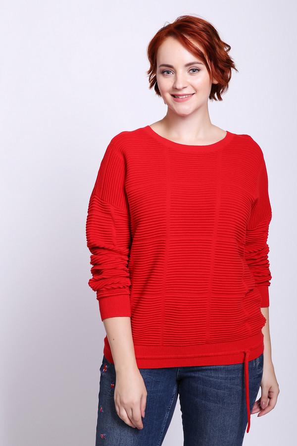 Пуловер OuiПуловеры<br>Пуловер женский красного цвета фирмы Oui. Модель выполнена прямым фасоном. Изделие дополнено округлым воротом, приспущенными, длинными рукавами. По низу проходит тесьма. Ткань состоит из 100% хлопка. Сочетать можно с различными брюками.