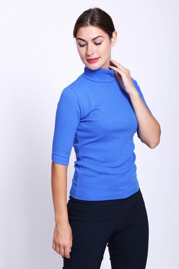 Футболка Just ValeriФутболки<br>Пуловер женский голубого цвета фирмы Just Valeri. Модель выполнена прямым кроем. Изделие дополнено округлым воротом стойка, втачными рукавами до локтя. Такая модель гармонировать может с различными брюками.