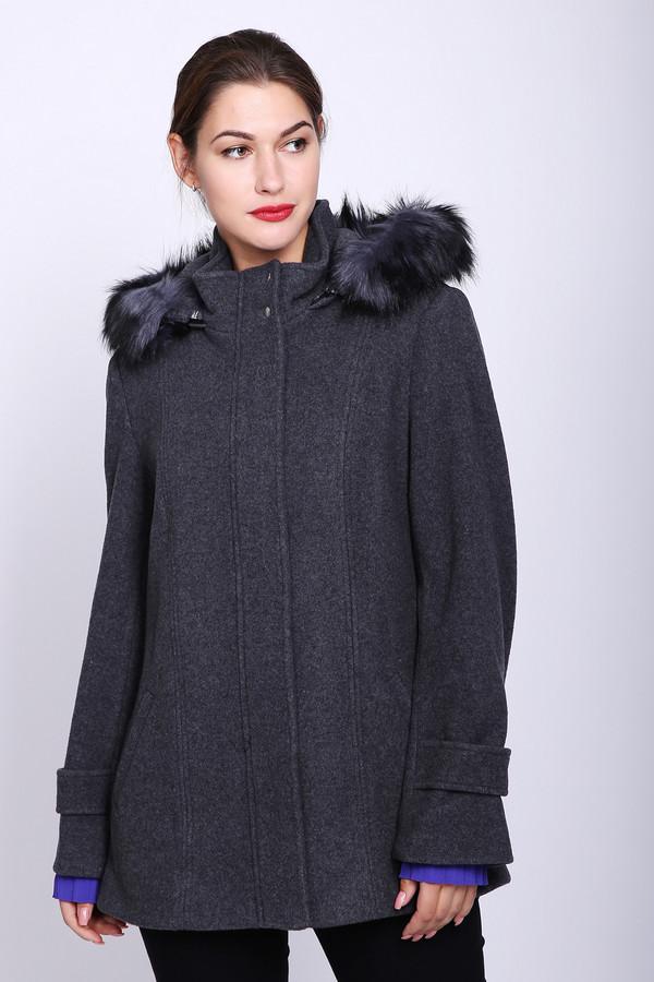 Пальто Just ValeriПальто<br>Пальто женское серого цвета фирмы Just Valeri. Модель выполнена прямым покроем. Изделие дополнено округлым воротом стойка с капюшоном, застежка молния на заклепки, втачными, длинными рукавами, прорезными боковыми карманами. Пальто укороченное. Гармонировать можно с различными брюками.