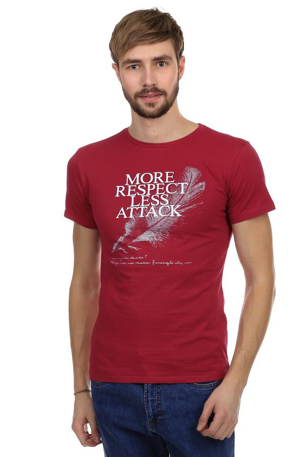 Футболкa Just ValeriФутболки<br>Модная мужская базовая футболка от бренда Just Valeri прилегающего кроя. Это футболка красного цвета с белым монохромным оригинальным принтом. Изделие дополнено: круглым вырезом и рукавами до середины плеча. Эта футболка может выступать как в качестве базовой одежды, так и самостоятельно в жаркое время года. Это идеальный вариант под повседневные джинсы.<br><br>Размер RU: 54<br>Пол: Мужской<br>Возраст: Взрослый<br>Материал: хлопок 100%<br>Цвет: Красный