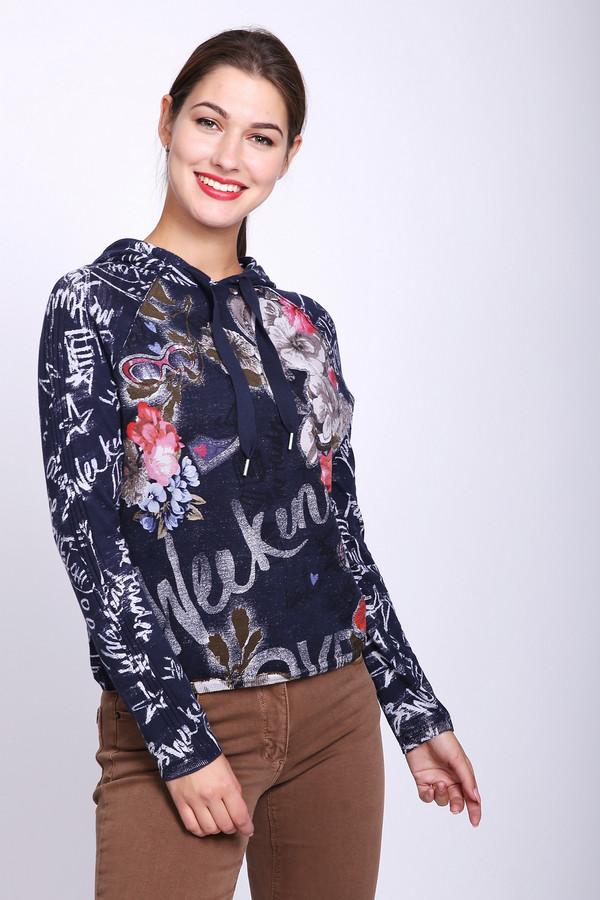Пуловер TaifunПуловеры<br>Пуловер женский синего цвета фирмы Taifun. Модель выполнена прямым покроем. Изделие дополнено округлым воротом с капюшоном на тесьму, длинными рукавами реглан. Пуловер имеет разноцветный принт. Состав ткани состоит из 100% хлопка. Гармонировать можно с различными брюками, джинсами.