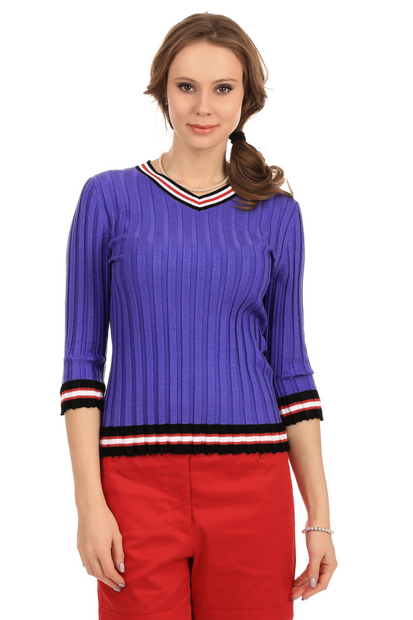 Пуловер PezzoПуловеры<br>Стильный пуловер для женщин от бренда Pezzo. Это пуловер синего цвета, с черными, белыми и красными полосками на рукавах, вырезе и резинке снизу. Изделие выполнено из вискозы с дополнением полиэстера и хлопка, и дополнено V-образным вырезом и рукавом длиной три четверти.<br><br>Размер RU: 50<br>Пол: Женский<br>Возраст: Взрослый<br>Материал: полиэстер 25%, вискоза 67%, хлопок 8%<br>Цвет: Фиолетовый