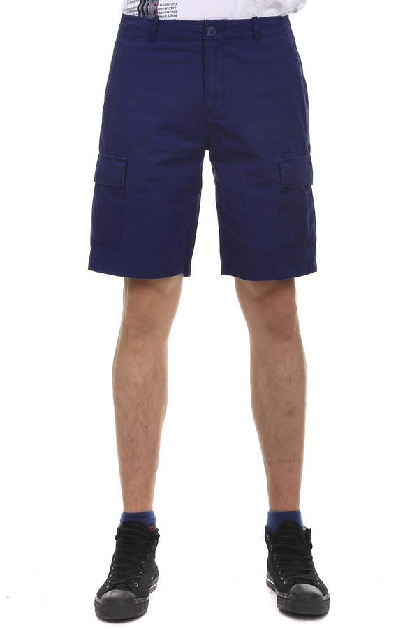 Шорты PezzoШорты<br>Шорты Pezzo синего цвета, изготовленные из натурального хлопка, прекрасно дополнят ваш образ в теплое время года. Длинна до колена, позволяет подбирать под шорты различные футболки и поло, придавая разнообразия своему образу. Для большего удобства на шортах есть несколько карманов. На задней части одежды также есть карманы, но они носят сугубо декоративный характер.<br><br>Размер RU: 52<br>Пол: Мужской<br>Возраст: Взрослый<br>Материал: хлопок 100%<br>Цвет: Синий