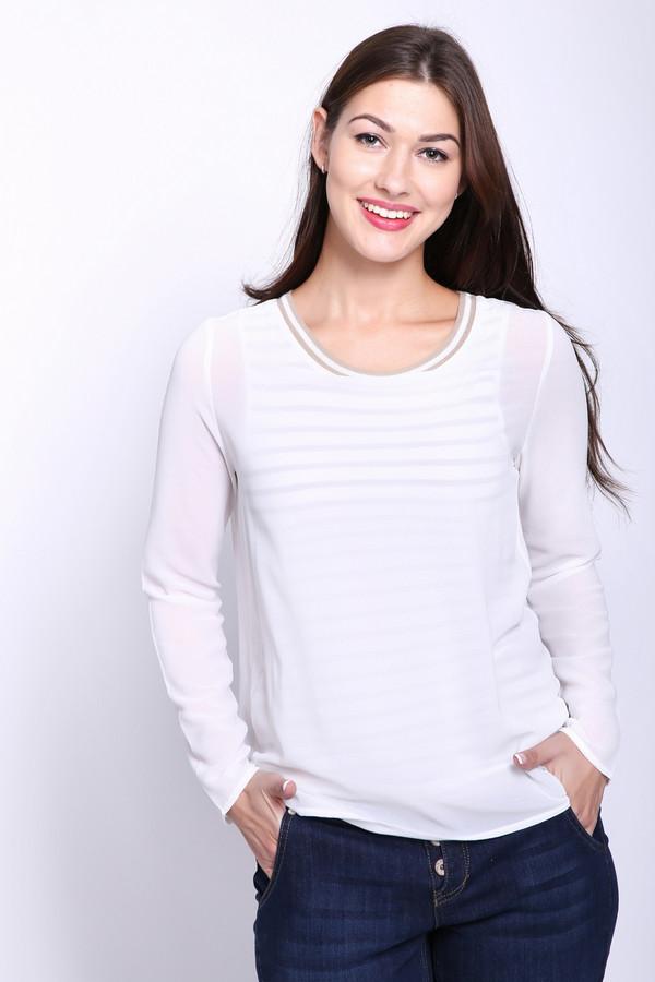 Блузa OuiБлузы<br>Блуза женская белого цвета фирмы Oui. Модель выполнена прямым фасоном. Изделие дополнено округлым воротом, втачными, длинными рукавами. Окружность ворота обшита бейкой. Подшита блуза полукругом. Ткань состоит из 100% полиэстера. Сочетать можно с различными брюками.