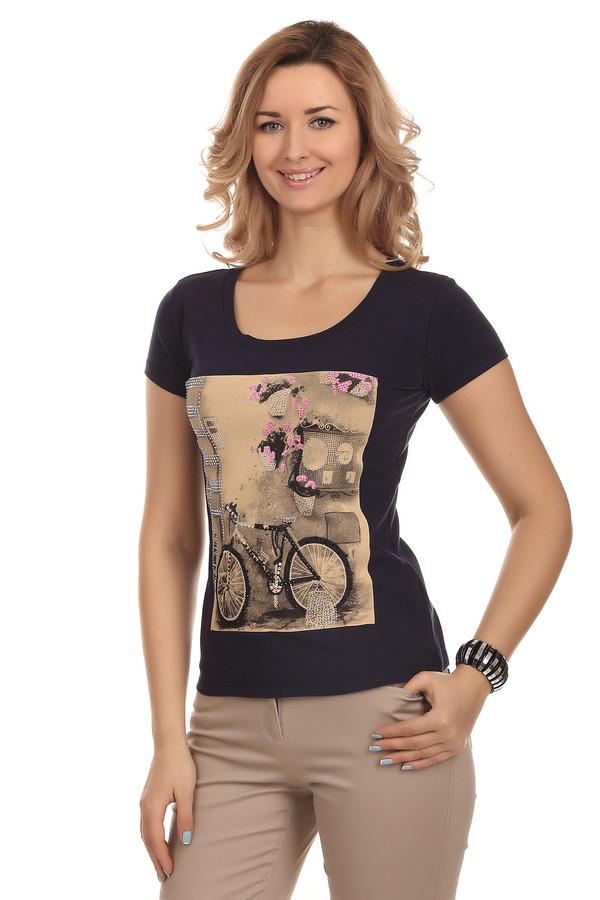 Футболка Just ValeriФутболки<br>Практичная темно-синяя футболка Just Valeri облегающего кроя с u-образным вырезом горловины. Футболка невероятно комфортная и приятная на ощупь. Изделие декорировано состаренным фотопринтом в ретро стиле с добавлением страз.<br><br>Размер RU: 40<br>Пол: Женский<br>Возраст: Взрослый<br>Материал: хлопок 95%, спандекс 5%<br>Цвет: Разноцветный