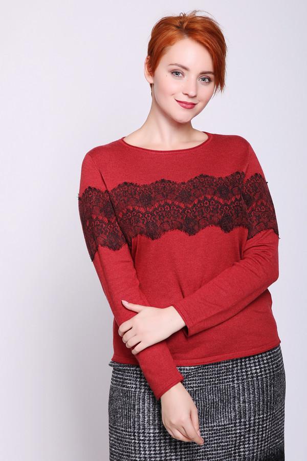Пуловер Gerry WeberПуловеры<br>Пуловер женскийкрасного цвета фирмы Gerry Weber. Модель выполнена прямым покроем. Изделие дополнено округлым воротом, длинными рукавами. Передняя часть полувера украшена кружевным полотном черного цвета. Пуловер разнообразит ваш гардероб. Состав ткани состоит из 51% вискозы, 40% полиамида, 9% шерсти. Гармонировать можно с различными юбками, брюками.