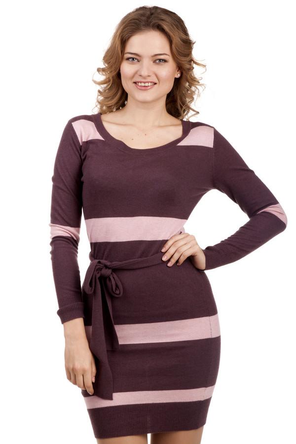 Платье LocustПлатья<br>Полосатое трикотажное платье бордового цвета от бренда Locust прилегающего кроя. Изделие дополнено: круглым вырезом, шлевками, пояском на талии и застежкой-молния на спинке. Платье выполнено из приятного на ощупь трикотажа и оформлено рисунком в горизонтальную полоску контрастного розового цвета.<br><br>Размер RU: 40-42<br>Пол: Женский<br>Возраст: Взрослый<br>Материал: вискоза 35%, шерсть 36%, нейлон 29%<br>Цвет: Розовый