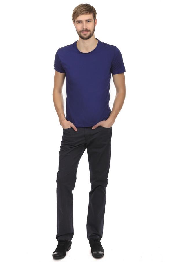 Классические джинсы GardeurКлассические джинсы<br>Джинсы от бренда Gardeur выполнены из денима темно-серого цвета. Изделие дополнено: шлевками под ремень, пятью стандартными карманами и центральной застежкой-молния с пуговицей. Они вполне могут стать отличной альтернативой классическим брюкам, благодаря своему нестандартному цвету. Эти джинсы подходят под поло, рубашки и классические вязаные свитера.<br><br>Размер RU: 54(L30)<br>Пол: Мужской<br>Возраст: Взрослый<br>Материал: эластан 3%, хлопок 97%<br>Цвет: Серый