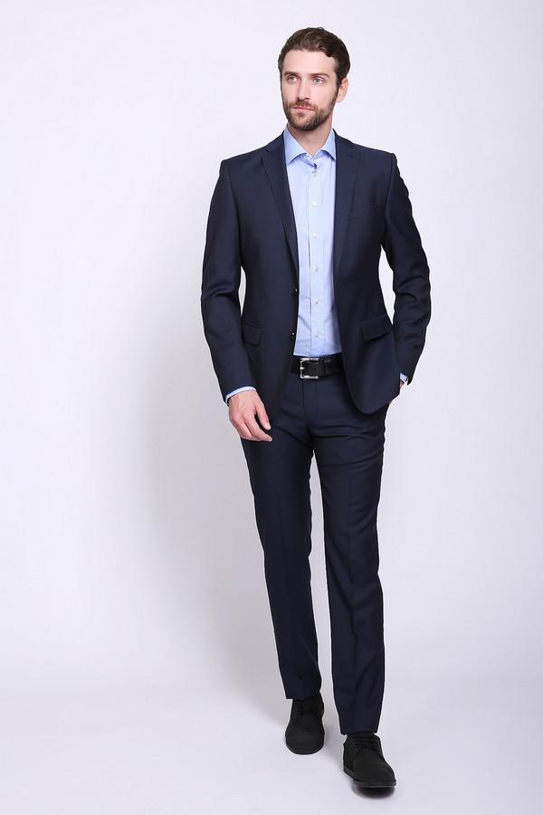 Брюки BenvenutoБрюки<br>Брюки мужские синего цвета фирмы Benvenuto. Модель выполнена прямым покроем. Изделие дополнено пришивным поясом со шлевками для ремня, застёжка молния на крючок, внутренние, боковые карманы, задние, прорезные карманы с листочками на пуговицу. Состав ткани состоит из 100% шерсти. Такая модель прекрасно сидит по фигуре. Гармонировать можно с различными рубашками, пиджаками, пуловерами.