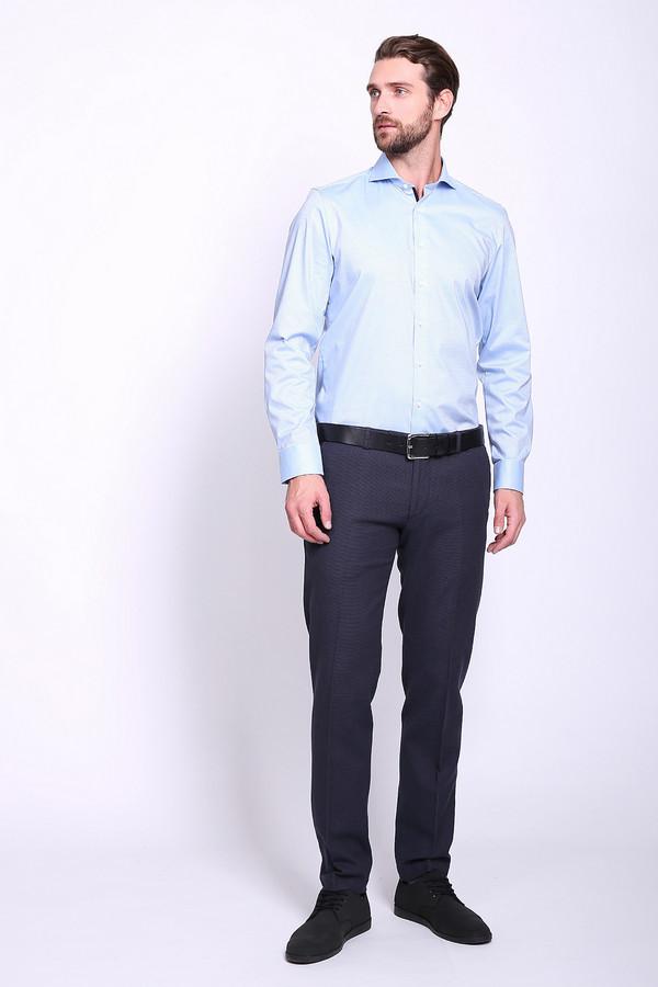 Брюки CinqueБрюки<br>Брюки мужские синего цвета фирмы Cinque. Модель выполнена прямым покроем. Изделие дополнено пришивным поясом со шлевками для ремня, застежка молния на крючок, боковыми карманами, задними, прорезными карманами с листочками. Ткань состоит из 3% эластана,97% хлопка. Гармонировать можно с различными рубашками, пуловерами, пиджаками.