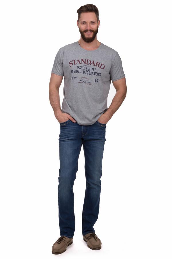 Джинсы GardeurДжинсы<br>Удобные мужские джинсы от бренда Gardeur темного синего цвета. Эта модель была сделана из хлопка и эластана. Данное изделие можно носить круглый год. Штаны дополнены шлевками, застежкой, боковыми и задними карманами. Отлично сочетаются как с футболками, так с рубашками. Дополнят любой повседневный образ.<br><br>Размер RU: 48-50(L36)<br>Пол: Мужской<br>Возраст: Взрослый<br>Материал: хлопок 73%, эластан 27%<br>Цвет: Синий