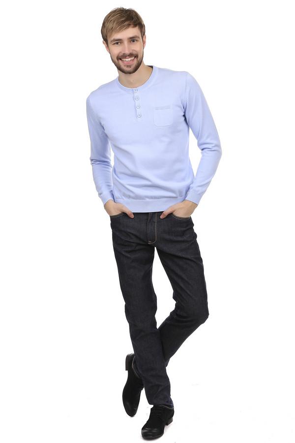 Классические джинсы BraxКлассические джинсы<br>Классические темно-синие джинсы Brax с чуть заметными потертостями. Изделие дополнено: шлевками для ремня, пятью стандартными карманами и центральной застежкой-молния с пуговицей. Задние карманы джинсов украшены вышивкой выполненой нитью желтого цвета.<br><br>Размер RU: 50(L34)<br>Пол: Мужской<br>Возраст: Взрослый<br>Материал: хлопок 98%, эластан 2%<br>Цвет: Синий