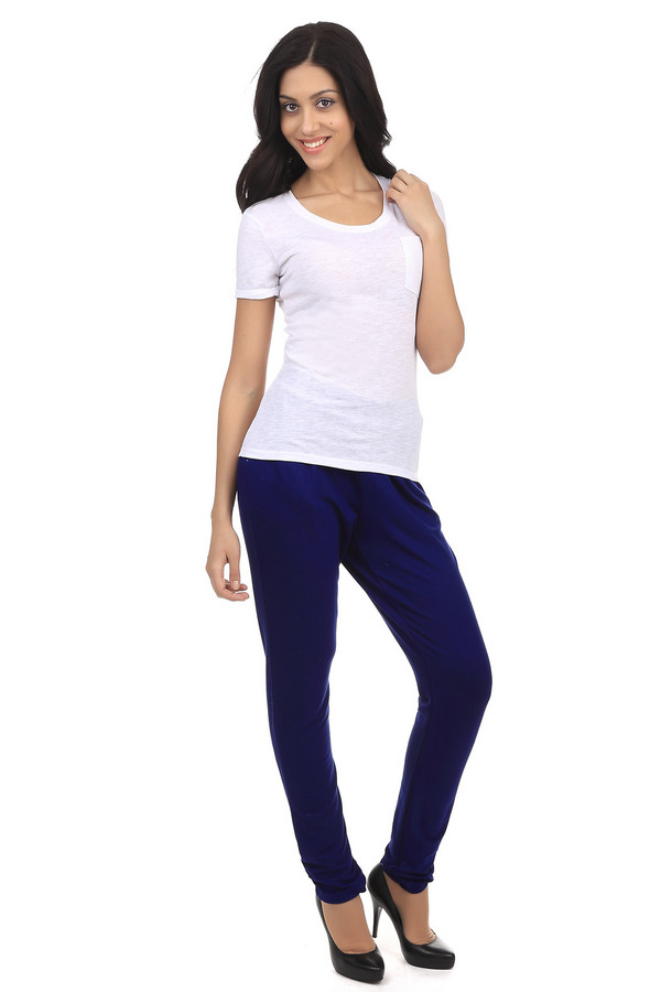 Брюки Betty BarclayБрюки<br>Прямые брюки-дудочки Betty Barclay синего цвета. Такие брюки должны быть в гардеробе каждой женщины. Они отлично смотрятся с различными  блузами  и  рубашками . Эти брюки подходят под лодочки на каблуке и простые балетки. Эта модель не выходит из моды вот уже несколько лет. Материал состоит на 95% из вискозы и на 5% из эластана, а потому брюки не только мягкие и приятные к телу, но еще и обладают стрейчевыми свойствами, поэтому очень удобные.<br><br>Размер RU: 46<br>Пол: Женский<br>Возраст: Взрослый<br>Материал: эластан 5%, вискоза 95%<br>Цвет: Синий