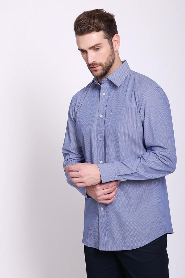 Рубашка с длинным рукавом Just ValeriДлинный рукав<br>Рубашка мужская синего цвета фирмы Just Valeri. Модель выполнена прямым покроем. Изделие дополнено откладным воротом на стойке, застежкана пуговицы, обшита планкой, втачными, длинными рукавами с манжетами на пуговицы, передним, накладным карманом. Рубашка подшита полукругом. Состав ткани: 100% хлопок. Гармонировать можно с различными брюками, пиджаками, джемперами.