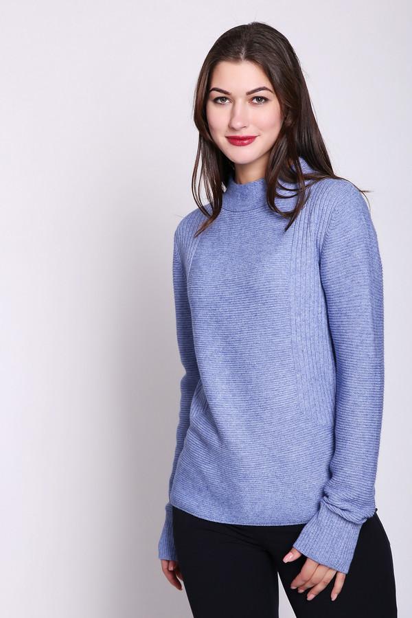 Пуловер Betty and CoПуловеры<br>Пуловер сиреневого цвета фирмы Betty and Co. Модель выполнена прямым покроем. Изделие дополнено округлым воротом стойка, длинными рукавами. Такая модель может гармонировать с различными брюками.