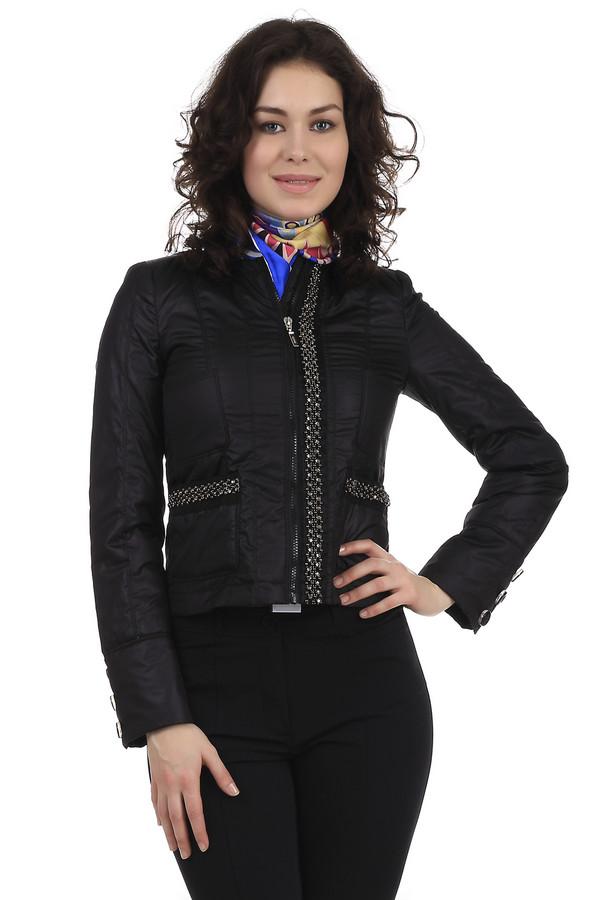 Куртка PezzoКуртки<br>Стильная короткая женская куртка от бренда Pezzo. Это куртка черного цвета, декорированная фурнитурой золотистого цвета по линии молнии, а также на карманах. Также куртка дополнена пуговицами на рукавах. Куртка изготовлена из 100% полиэстера.<br><br>Размер RU: 42<br>Пол: Женский<br>Возраст: Взрослый<br>Материал: полиэстер 100%<br>Цвет: Чёрный