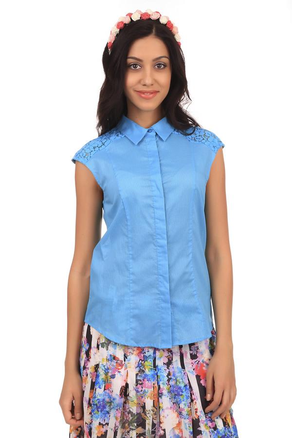 Блузa PezzoБлузы<br>Летняя женская блуза от бренда Pezzo. Это блуза-безрукавка яркого голубого цвета в полоску, дополненная пуговицами, отложным воротником и кружевными вставками на плечах. Материал изделия - 100% хлопок.<br><br>Размер RU: 46<br>Пол: Женский<br>Возраст: Взрослый<br>Материал: хлопок 100%<br>Цвет: Голубой