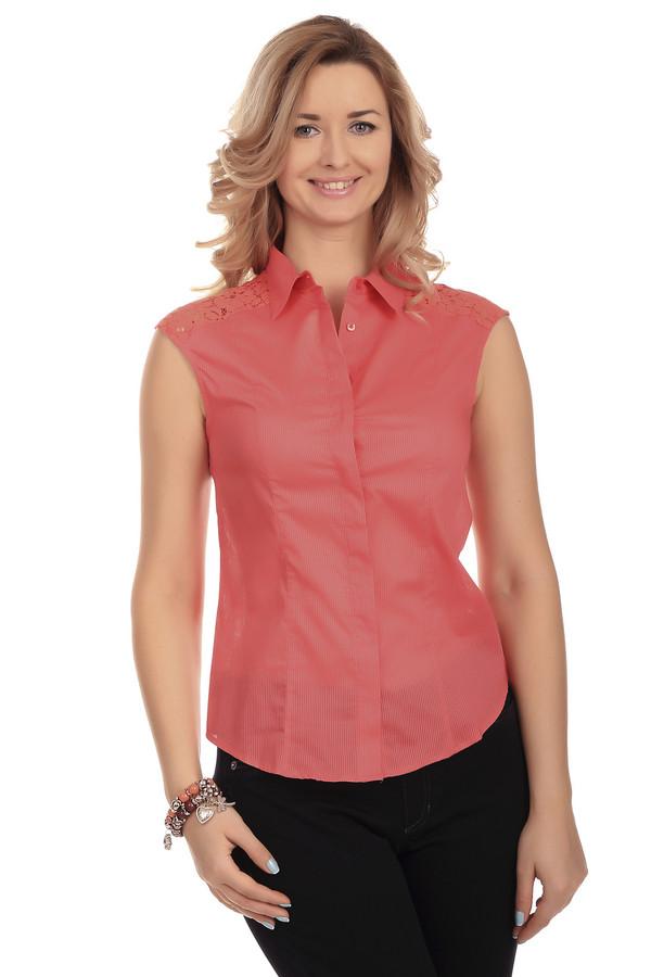 Блузa PezzoБлузы<br>Летняя женская блуза от бренда Pezzo. Это блуза-безрукавка красного цвета в полоску, дополненная пуговицами, отложным воротником и кружевными вставками на плечах. Материал изделия - 100% хлопок.<br><br>Размер RU: 52<br>Пол: Женский<br>Возраст: Взрослый<br>Материал: хлопок 100%<br>Цвет: Красный