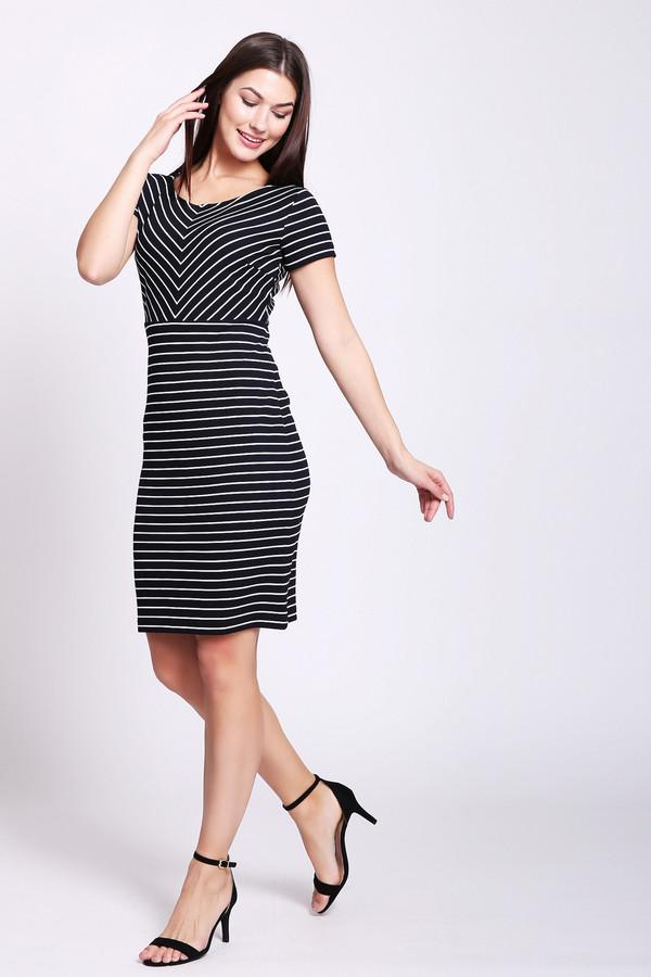 Платье Betty BarclayПлатья<br>Платье черного цвета фирмы Betty Barclay. Модель выполнена прямым покроем с отрезной талией. Изделие дополнено округлым воротом, втачными, короткими рукавами, задней застежкой молния. Ткань состоит из 4% эластана, 96% полиэстера. Такое платье можно использовать по различным поводам.