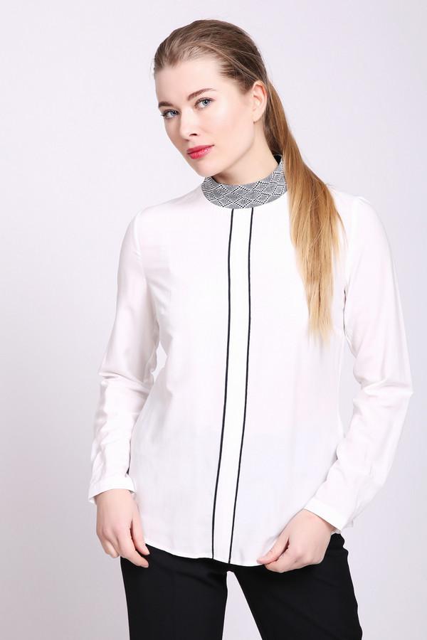 Блузa TaifunБлузы<br>Блуза женская белого цвета от немецкого бренда Taifun. Модель выполнена прямым фасоном. Изделие дополнено круглым воротом стойка, задняя застежка молния, втачными, длинными рукавами с манжетами на пуговицу. Ткань состоит из 71% вискозы, 29% полиэстера. Сочетать можно с различными брюками, юбками.