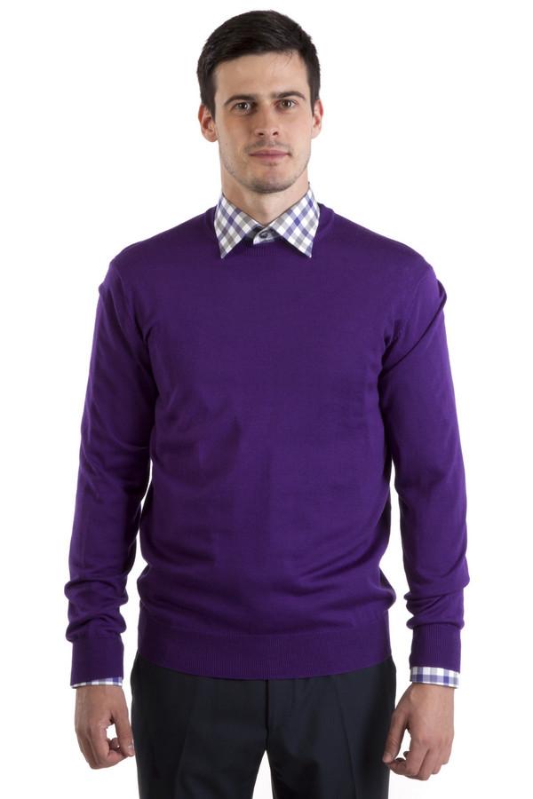 Джемпер Flavio NavaДжемперы<br>Джемпер от бренда Flavio Nava прямого кроя выполнен из натуральной шерстяной пряжи фиолетового цвета. Изделие дополнено: круглым вырезом и длинными рукавами. Ворот, манжеты и нижний кант оформлены трикотажной вязанной резинкой.<br><br>Размер RU: 50<br>Пол: Мужской<br>Возраст: Взрослый<br>Материал: шерсть 100%<br>Цвет: Фиолетовый