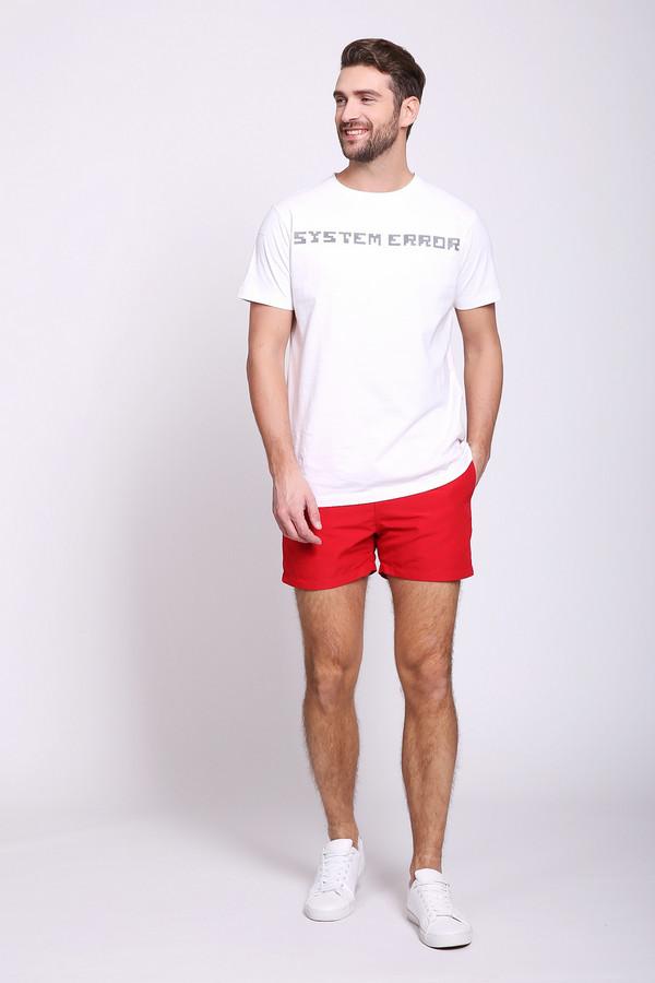 Шорты PezzoШорты<br>Шорты мужские красного цвета от бренда Pezzo.Модель выполнена прямым фасоном. Изделие дополнено пришивным поясом с эластичной лентой и тесьмой, боковыми карманами, задним накладным карманом. Состав ткани: 100% полиэстер. Подкладка - 100% полиэстер. Комбинировать можно с различными футболками, поло.