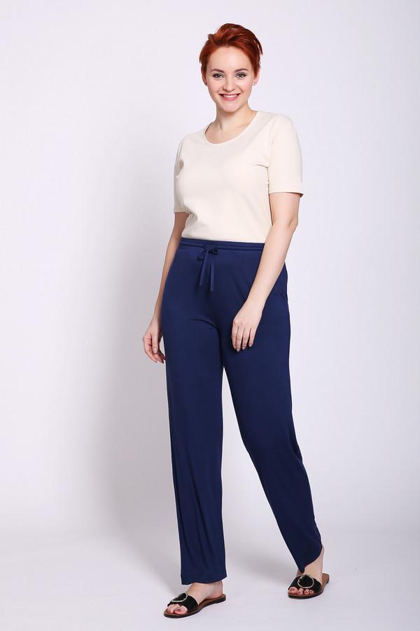 Брюки PezzoБрюки<br>Брюки женская синего цвета от бренда Pezzo. Модель выполнена пришивным поясом с эластичной ленты и тесьмой. Ткань состоит из 95% вискозы, 5% спандекса. Комбинировать можно с различными блузами, футболками, топами, пуловерами.