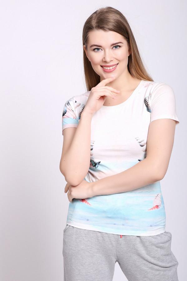Футболка PezzoФутболки<br>Футболка женская голубого цвета от бренда Pezzo. Модель выполнена прямым фасоном. Изделие дополнено округлым воротом, втачными, короткими рукавами. Ткань имеет разноцветный принт. Состав ткани: 100% хлопок. Комбинировать можно с различными брюками, юбками.
