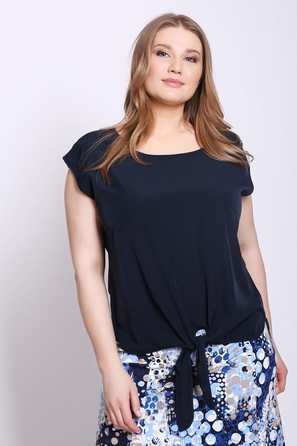 Блузa PezzoБлузы<br>Блуза женская синего цвета от бренда Pezzo. Модель выполнена прямым фасоном. Изделие дополнено округлым воротом, короткими рукавами реглан, задним разрезом на пуговицу. Передняя часть блузы завязывается на узел. Ткань состоит из 100% полиэстер. Комбинировать можно с различными брюками, юбками.