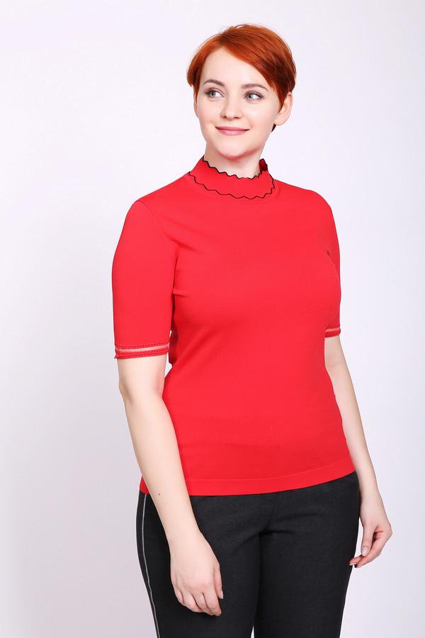 Пуловер Just ValeriПуловеры<br>Пуловер женский красного цвета фирмы Just Valeri. Модель выполнена прямым фасоном. Изделие дополнено округлым воротом стойка, короткими, втачными рукавами. Окружность ворота отшита тесьмой черного цвета. Ткань состоит из 65% вискозы, 35% нейлона. Сочетать можно с различными деталями вашего гардероба.
