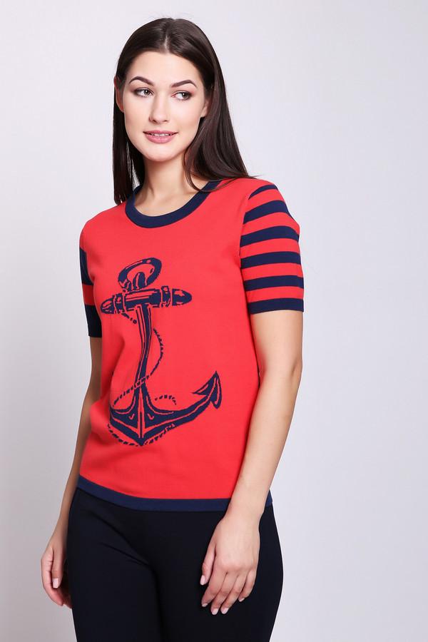 Пуловер PezzoПуловеры<br>Пуловер женский красного цвета от бренда Pezzo. Модель выполнена прямым фасоном. Изделие дополнено округлым воротом, втачными, короткими рукавами. Окружность ворота обшита бейкой синего цвета. Ткань имеет принт. Состав ткани: 55% хлопок, 45% район. Комбинировать можно с различными брюками.