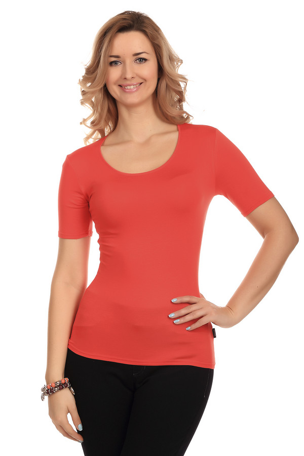 Футболка PezzoФутболки<br>Красная однотонная женская футболка от бренда Pezzo прилегающего кроя. Изделие дополнено: круглым вырезом и короткими рукавами до середины плеча. Модель выполнена из приятного на ощупь вискозного материала с добавлением эластана. Имеет стрейчевые свойства. Футболку с легкостью можно носить с   кардиганами   или   жакетами  .<br><br>Размер RU: 40<br>Пол: Женский<br>Возраст: Взрослый<br>Материал: эластан 5%, вискоза 95%<br>Цвет: Красный