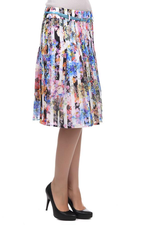 Юбка SteilmannЮбки<br>Летняя модная юбка Steilmann черного, белого, голубого и оранжевого цветов. Изделие выполнено из натурального хлопка. Разноцветная юбка дополнена тонким голубым ремешком и цветочным принтом с белыми вертикальными полосами. С помощью этой модели можно создавать женственные и яркие летние образы.<br><br>Размер RU: 48<br>Пол: Женский<br>Возраст: Взрослый<br>Материал: хлопок 100%<br>Цвет: Разноцветный