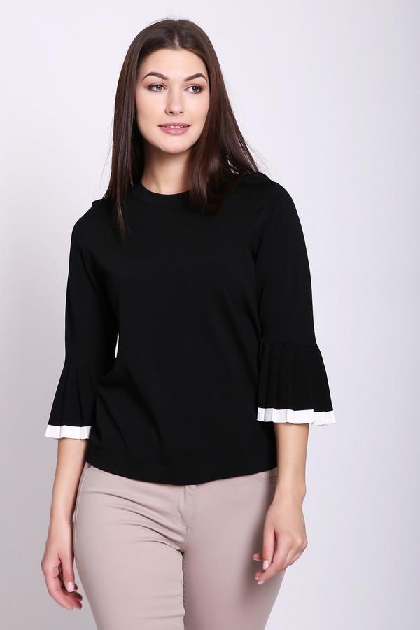 Пуловер PezzoПуловеры<br>Пуловер женский черного цвета от бренда Pezzo. Модель выполнена прямым фасоном. Изделие дополнено округлым воротом, втачными, короткими рукавами с воланами. Воланы обшиты белой тканью. Состав ткани: 65% вискоза, 35% нейлона. Комбинировать можно с различными юбками, брюками.