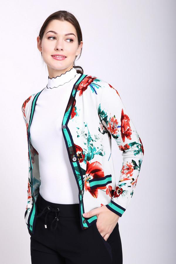 Жакет PezzoЖакеты<br>Жакет женский белого цвета от бренда Pezzo. Модель выполнена прямым фасоном. Изделие дополнено округлым воротом с V - образным вырезом на пуговицы, втачными, длинными рукавами. Ткань имеет разноцветный принт. Все детали обшиты бейкой зеленого цвета с черными полосами. Такая модель может объединить ваш наряд. Ткань состоит из 80% вискозы, 20% нейлона. Комбинировать можно с различными юбками, брюками, блузами, футболками.