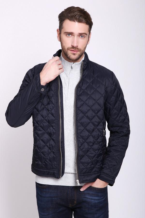 Куртка PezzoКуртки<br>Куртка мужская синего цвета бренда Pezzo. Модель выполнена прямым фасоном. Изделие дополнено круглым воротом стойка, втачными, длинными рукавами с манжетами на заклёпки, застежка молния, прорезными карманами на молнию. Куртка стеганая с наполнителем. Ткань состоит из 100% нейлона. Подкладка - 100% нейлон. Наполнитель - 100% полиэстер. Сочетать можно с различными брюками.