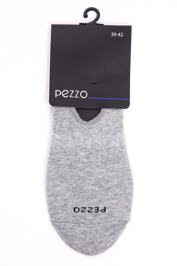 Носки PezzoНоски<br>Носки женские серого цвета бренда Pezzo. Модель изготовлена укороченной формы. Окружность носка обшита тесьмой. На носке расположен логотип бренда. Ткань состоит из 2% эластана, 98% хлопка. Такая модель облегает ногу и не требует тщательного ухода.