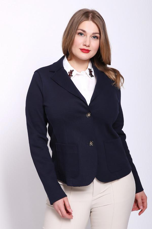 Жакет OuiЖакеты<br>Жакет женский синего цвета фирмы Oui. Модель выполнена прямым фасоном. Изделие дополнено откладным воротом, втачными, длинными рукавами, передними, накладными карманами, задним средним швом и рельефами, выходившие из проймы рукавов. Ткань состоит из 15% полиэстера, 85% хлопка. Комбинировать можно с различными брюками, юбками.