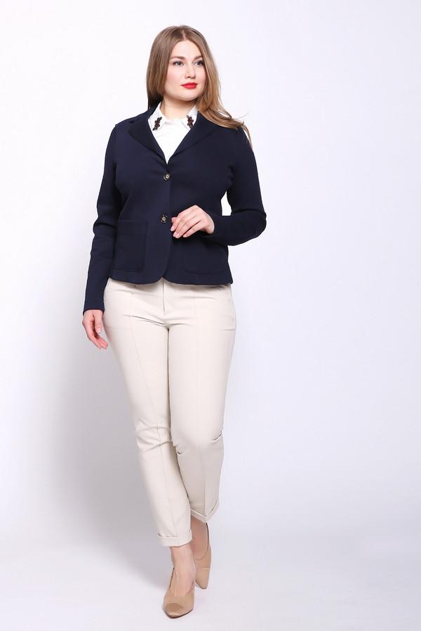 Брюки OuiБрюки<br>Брюки женские бежевого цвета фирмы Oui. Модель выполнена прямым фасоном. Изделие дополнено пришивным поясом, застежка молния на пуговицу, боковыми карманами на молнию, отворотами на брючинах. Ткань состоит из 12% эластана, 88% полиамида. Комбинировать можно с различными блузами, футболками, пуловерами.