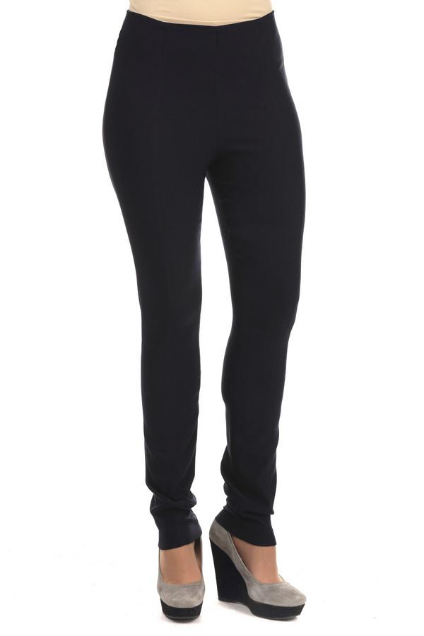 Брюки TuzziБрюки<br>Женские брюки черного цвета от бренда Tuzzi. Изделие выполнено из вискозы с добавлением полиамида и эластана. Это слегка удлиненные брюки-скинни с высокой талией. Изделие дополнено эластичным поясом.<br><br>Размер RU: 46<br>Пол: Женский<br>Возраст: Взрослый<br>Материал: эластан 4%, полиамид 17%, вискоза 79%<br>Цвет: Чёрный