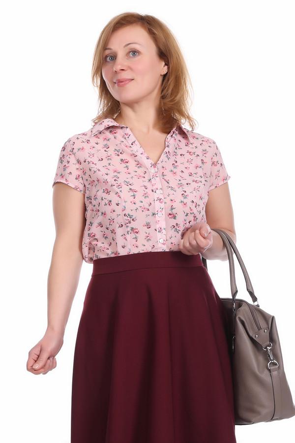 Блузa PezzoБлузы<br>Легкая женская блуза нежно-розового цвета, с дополнением цветочного принта. Это блуза от бренда Pezzo, на пуговицах, с коротким рукавом и отложным воротником. Блуза пошита из 100% полиэстера.<br><br>Размер RU: 44<br>Пол: Женский<br>Возраст: Взрослый<br>Материал: полиэстер 100%<br>Цвет: Разноцветный