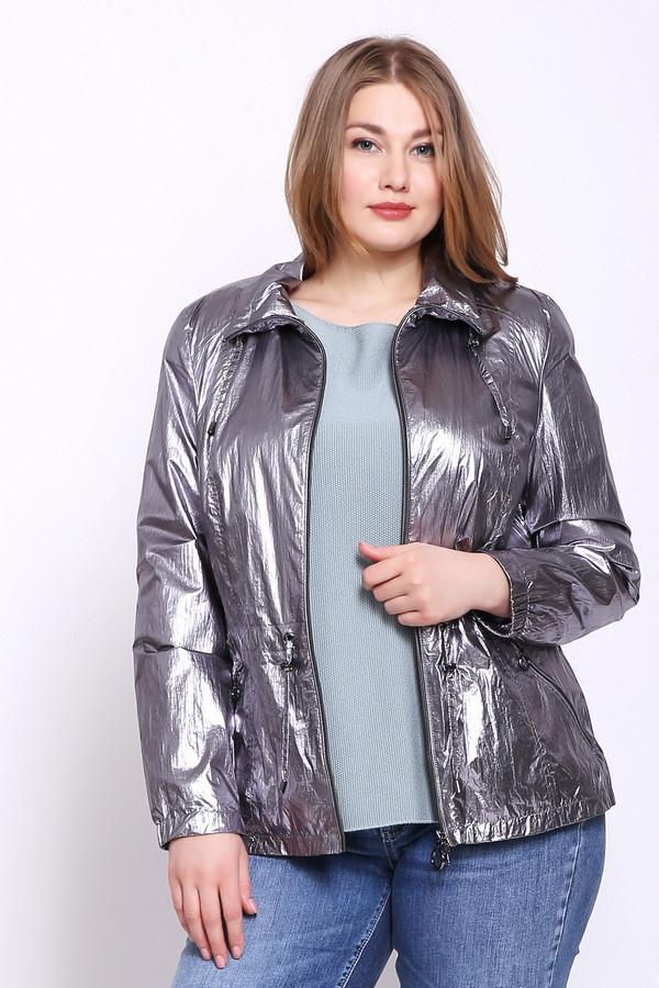 Куртка LebekКуртки<br>Куртка женская серебристого цвета фирмы Lebek. Модель выполнена прямым фасоном. Изделие дополнено круглым воротом стойка, застежка молния, втачными, длинными рукавами, прорезными карманами на молнию. По линии талии продета тесьма. Ткань состоит из 100% полиамид. Подкладка - 100% полиэстер. Комбинировать можно с различными деталями вашего гардероба.