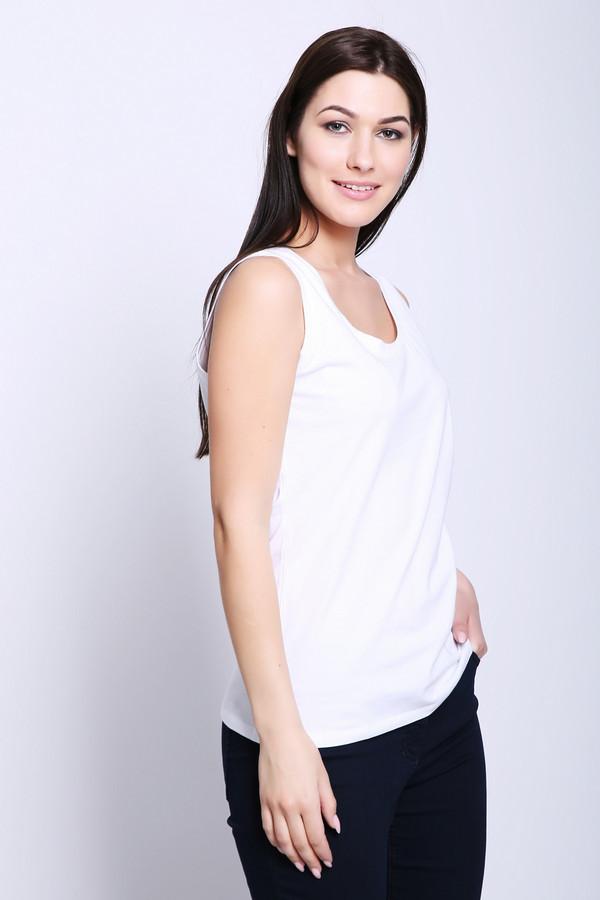 Топ PezzoТопы<br>Топ женский белого цвета бренда Pezzo. Модель выполнена прямым фасоном. Изделие дополнено округлым воротом, без рукавов с широкими лямками. Ткань состоит из 5% эластана, 95% хлопка. Сочетать можно с различными брюками, юбками.